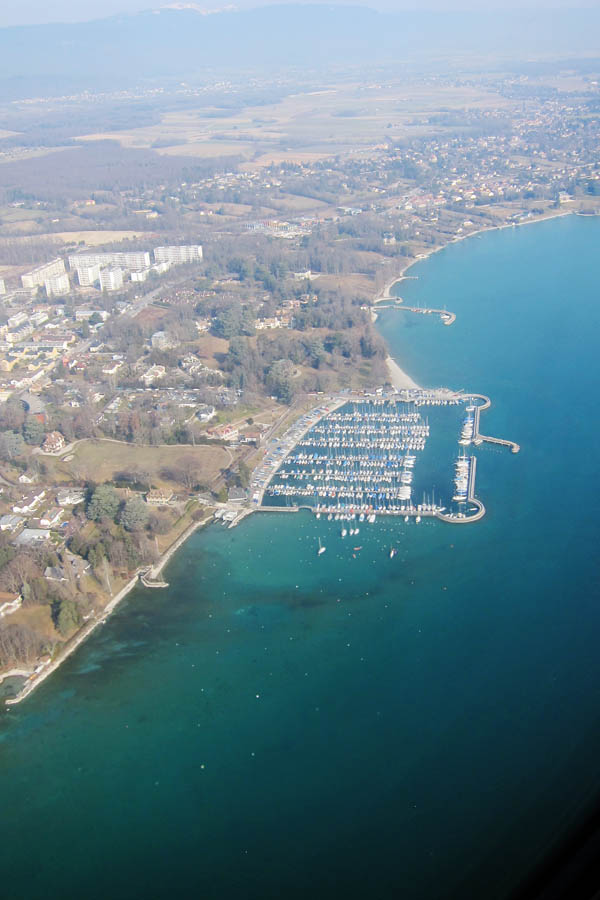 Flying into Geneva, over Lac Léman