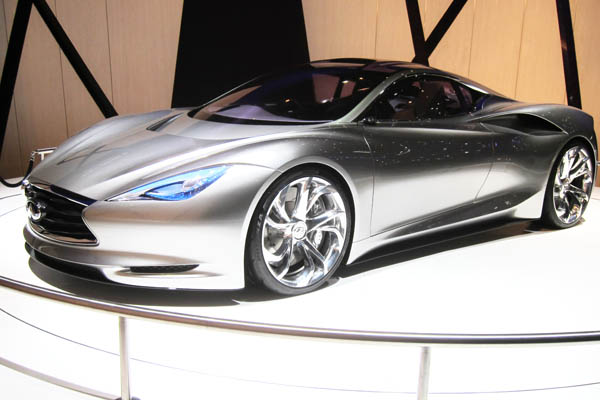 Infiniti Emerg-E electric supercar concept