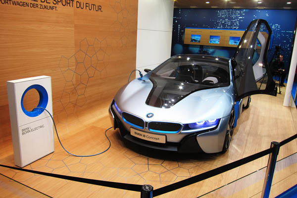 BMW i8 hybrid concept sportscar, front view