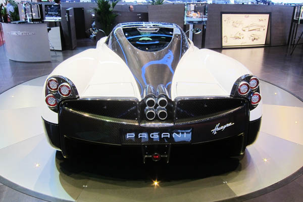 Pagani Huayra, rear view