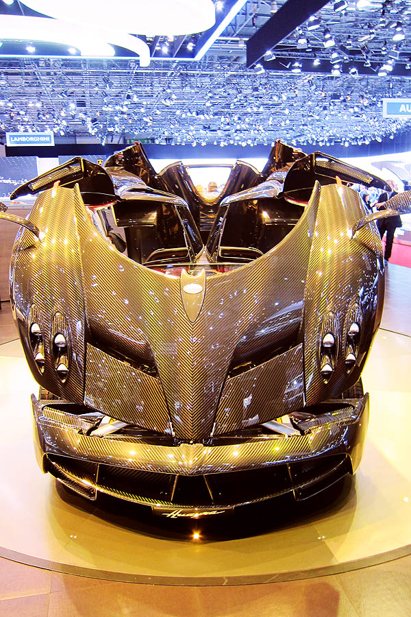 Pagani Huayra Carbon Edition, front view with bonnet open