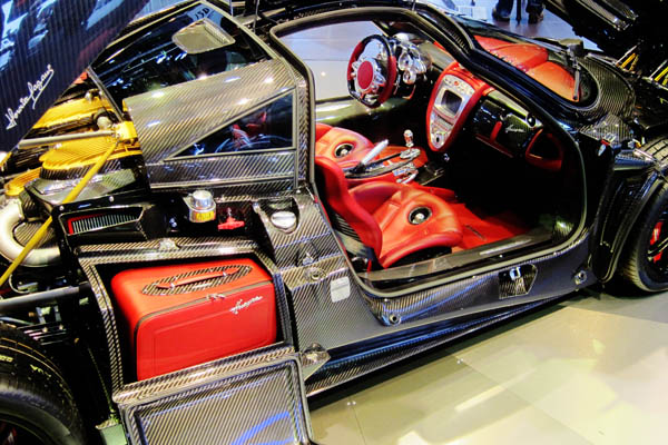 Pagani Huayra Carbon Edition, open interior passenger side view