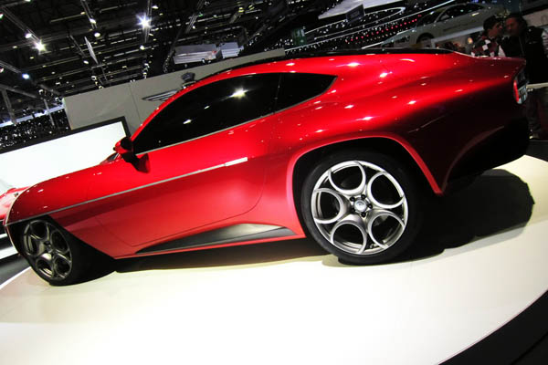 Alfa Romeo Disco Volante, side view