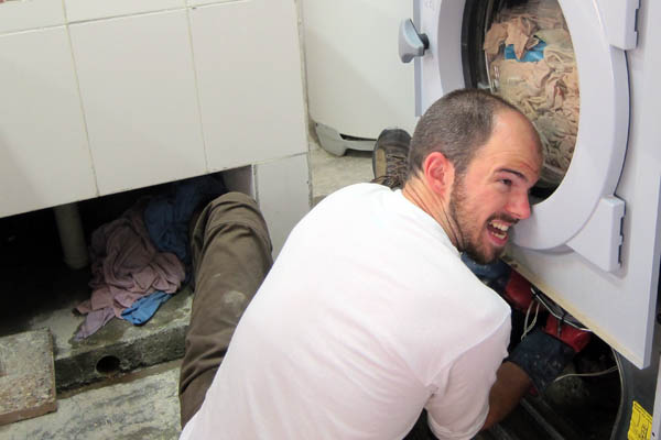 Repairing a hospital laundry washing machine