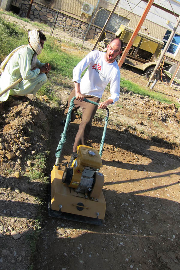 Learning to use a compactor in Helmand