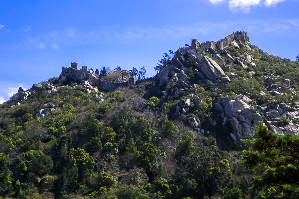 Castelo dos Mouros, seen from below