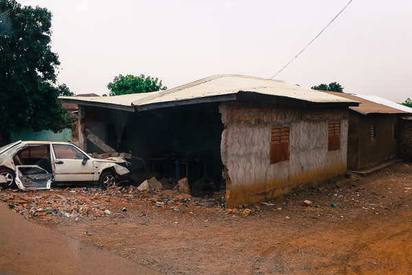 Car crashed into a house in the outskirts of Kankan, Guinea