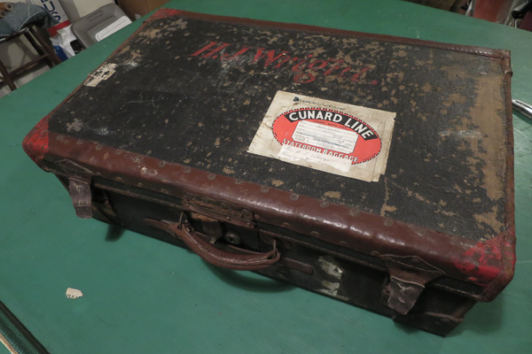 Old suitcase before restoration, exterior